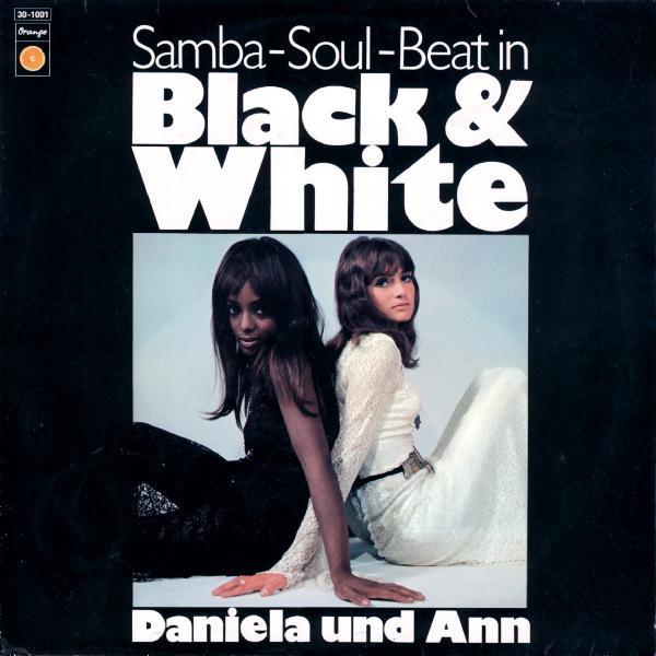 Daniela Und Ann – Black & White